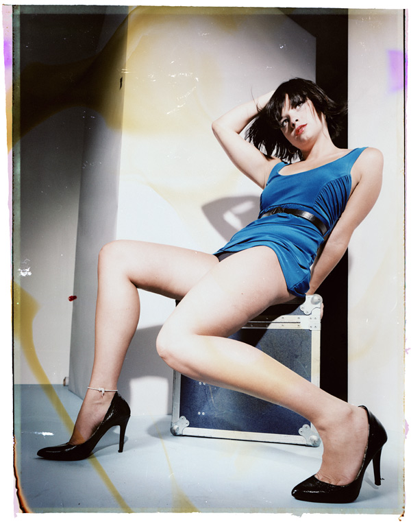 http://www.victoriasphoto.com/models/AmyA/big/FujiC_negs1_3.jpg