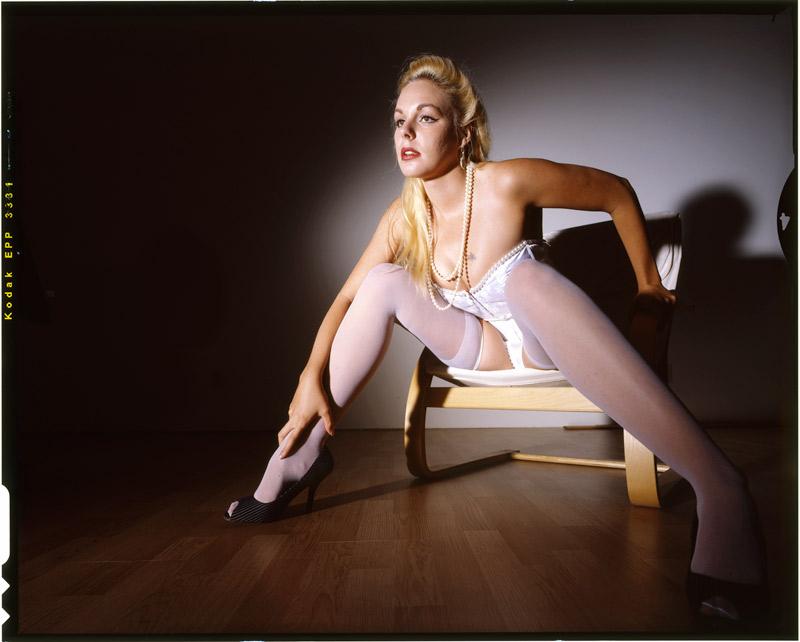 http://www.victoriasphoto.com/models/BellaA/big/E6_1_4med.jpg
