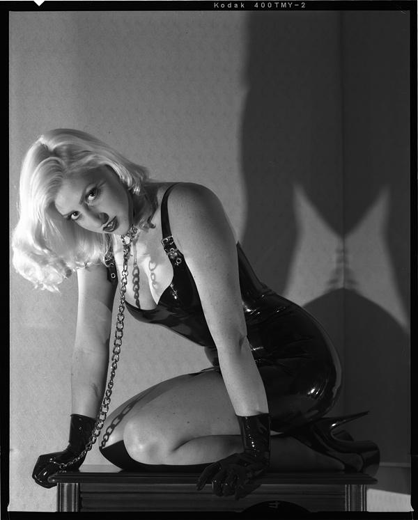 http://www.victoriasphoto.com/models/Devin_Marie/big/DM1-4-2s.jpg