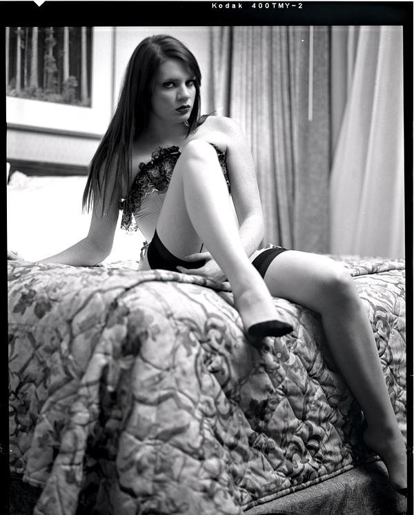 http://www.victoriasphoto.com/models/EmmaMarie/big/EM9-12-3s.jpg