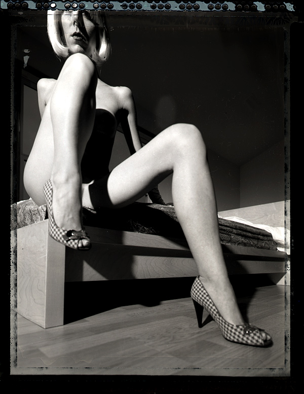 http://www.victoriasphoto.com/models/Tasha/big/t55-neg-1-f.jpg